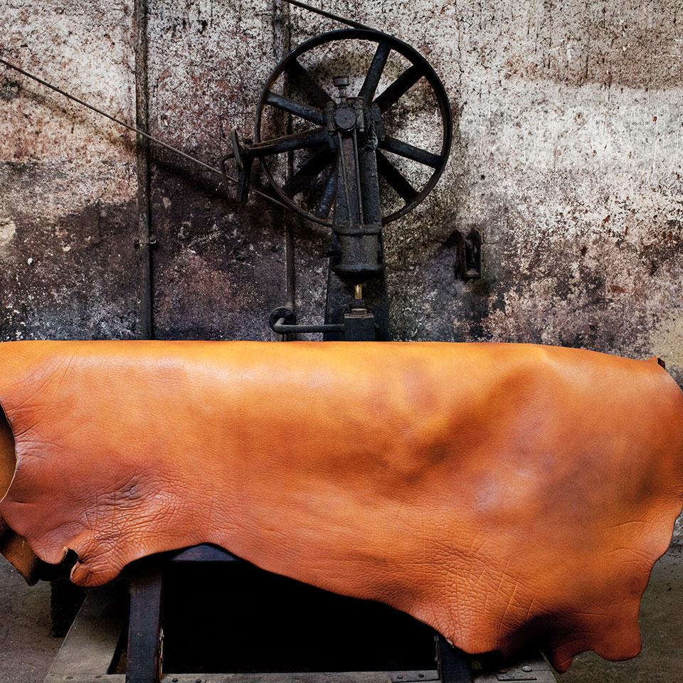 Nika Trade vertreibt Gürtel, made in Germany, welche aus naturgegerbtem Leder eines kleinen Familienbetriebes hergestellt werden